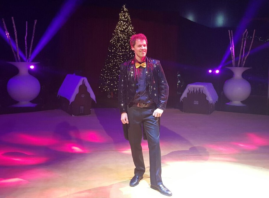 Als Zirkusdirektor beim One-World-Winterzirkus in Kölm